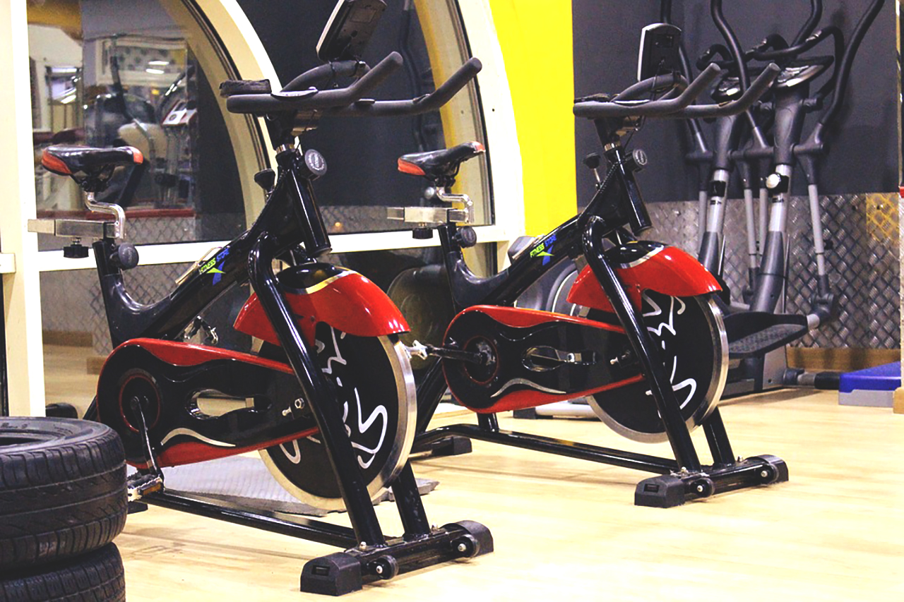 Vertical exercise bike