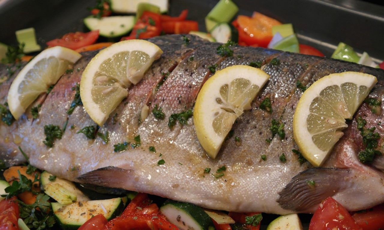 Fish with lemon at night